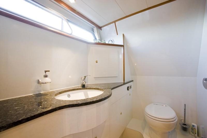 https://smelne.nl/wp-content/uploads/2012/08/Toilet-900x600.jpg