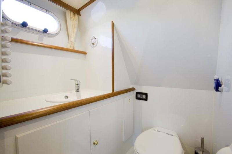 https://smelne.nl/wp-content/uploads/2012/08/Toilet6-900x600.jpg